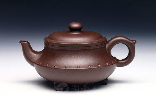 吴亚亦制陶鼎壶
